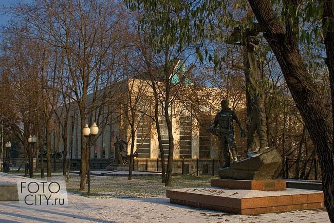 Памятник погибшим воинам десантникам